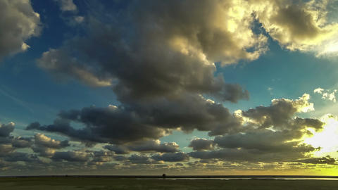 fleeing the storm clouds. taymlaps 画像