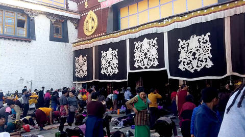 Worship at Tibetan Temple Live Action