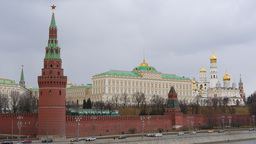 4k Russia, Moscow, Moscow Kremlin. Traffic. Real Time. Spring Footage