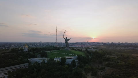 In the light of the setting sun. Sculpture The Motherland Calls! - the Footage