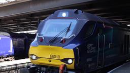 Northern Belle heritage vintage train and a 125 HST train leaving Paddington Footage