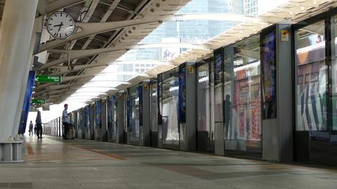 BTS train leaving at Chong Nonsi BTS Station Footage