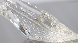 Cinderella Glass Slipper ビデオ