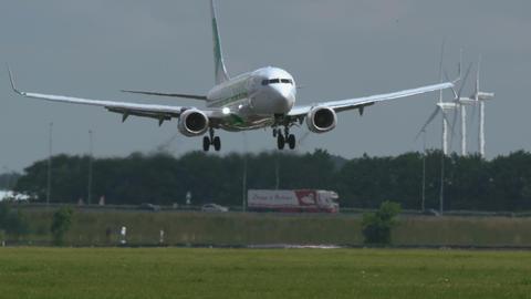 Boeing 737 of Transavia Airlines landing Footage