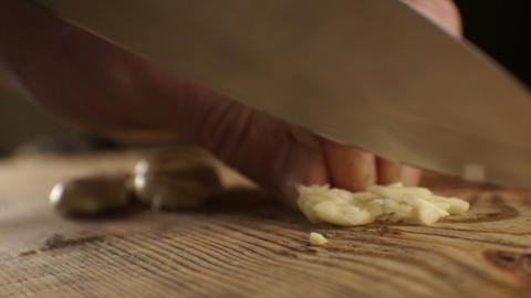 Sliced garlic for sauce. Video Archivo