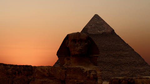 Timelapse. Sunrise over the pyramid of Cheops and Sphinx. Giza Egypt. v.2 Bild