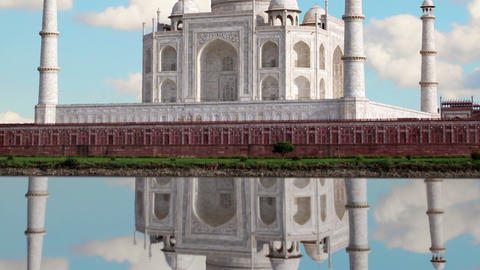 Taj mahal, Agra. India. Time Lapse. Reflectoin Footage