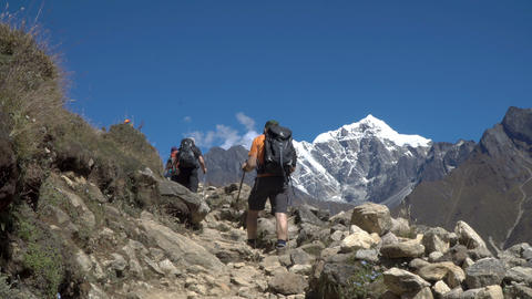 Boys tourist go on the trail in the Himalayas Footage