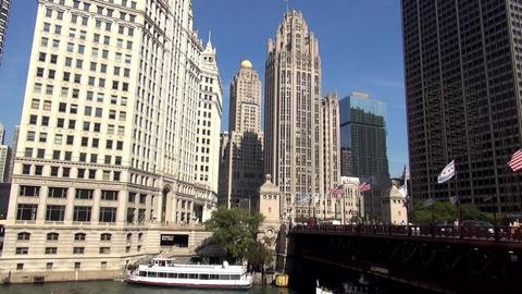 Wrigley Building and Du Sable Bridge - CHICAGO, ILLINOIS/USA Live Action
