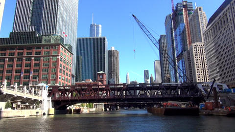 Chicago River Cruise - CHICAGO, ILLINOIS/USA Live Action