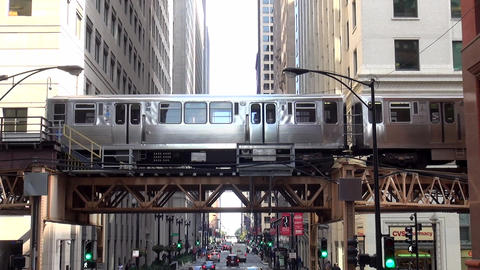 Chicago Metro subway running outside between buildings - CHICAGO, ILLINOIS/USA Live Action