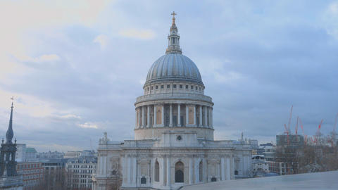 London St. Paul's cathedral Live Action