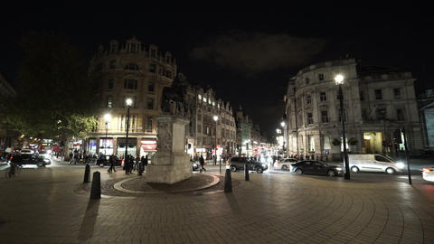 Roundabout at Trafalgar Square London by night - LONDON, ENGLAND NOVEMBER 20, 20 Live Action