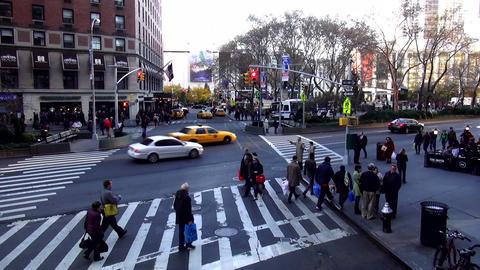 Street Corner in Manhattan New York – MANHATTAN, NEW YORK/USA NOVEMBER 20, 201 Live Action