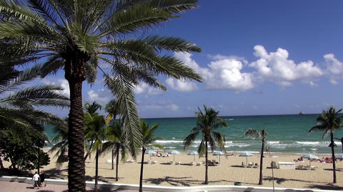 Beach of Fort Lauderdale – FT.LAUDERDALE, FLORIDA/USA OCTOBER 22, 2013 Footage