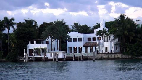 Beautiful luxury home – MIAMI, FLORIDA/USA OCTOBER 23, 2013 Footage