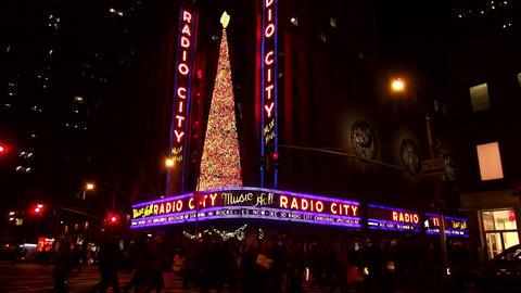 Radio City Music Hall at Rockefeller Center – MANHATTAN, NEW YORK/USA NOVEMBER Live Action