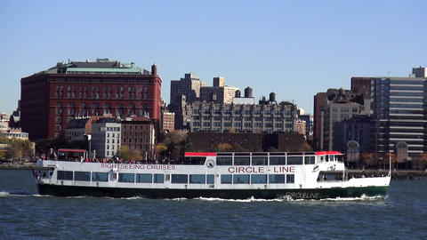 Circle Line Sightseeing Boat on Hudson River New York – MANHATTAN, NEW YORK/US Footage