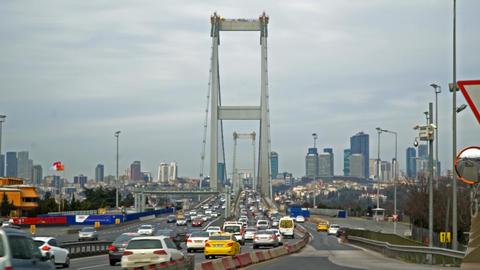 TURKEY - ISTANBUL 10 FEB - 2018 : Bosphorus bridge (15 temmuz sehitler koprusu) Archivo