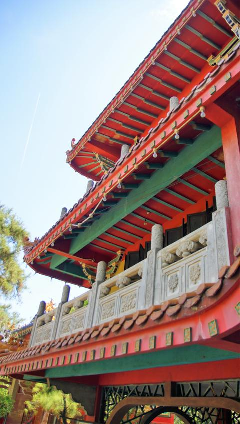 Shot of Ancient Chinese temple pagoda castle in Malaysia Foto