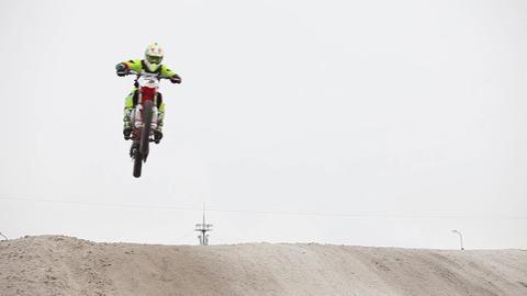 Winter Motocross High Flug Live Action