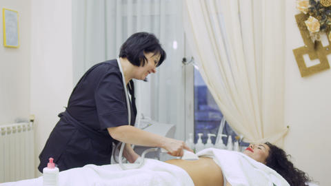 Procedure with lpg apparatus in beauty clinic 影片素材