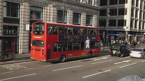 London Bus - LONDON, ENGLAND Live Action
