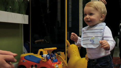 emotional baby making first steps little by little…, Live Action