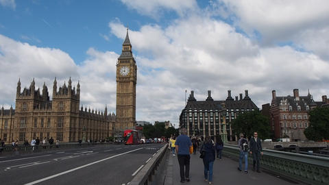 Westminster Bridge in London Live Action