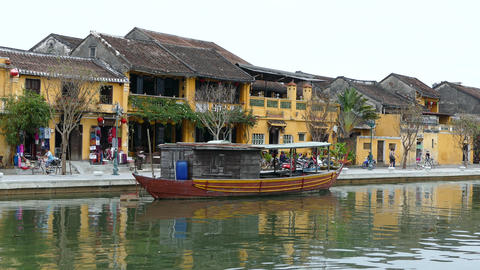 Old boat at the thu bon river in the Old town of Hoi An Footage