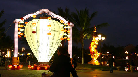 People walk around a big lantern 影片素材