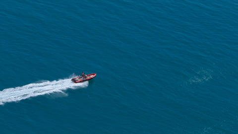 Rescue boat in the sea ビデオ