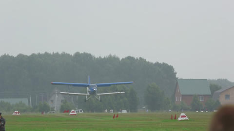 Antonov-2 biplane landing Live Action