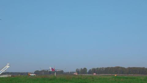 Boeing 757 taking off from Tolmachevo airport Footage