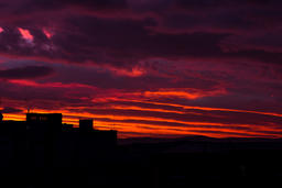 Sunrise in the city. Building silhouette Fotografía