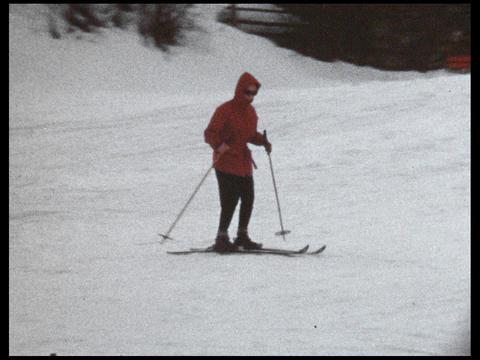 Skiing 10 Footage