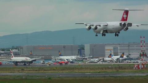 Swiss BA-146 landing Footage