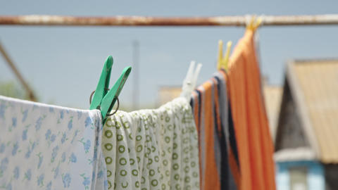 Clothes drying in the fresh air Live Action