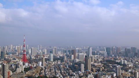 Timelapse - Walk in the air in Tokyo afternoon Zoom in ビデオ