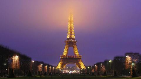 Eiffel Tower-Paris-France-Time Lapse, Live Action