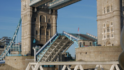 Real Time close shot of Tower Bridge closing. Shot on a bright autumn morning in Footage