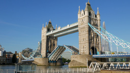 4x Normal Speed Video Of Tower Bridge Opening, Shot On A Sunny Autumn Morning Wi stock footage