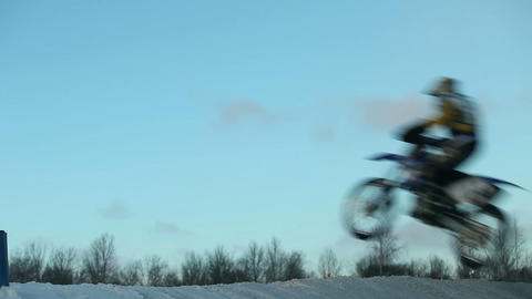 motorcycle flying through the air Archivo