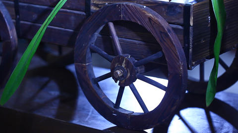 Antic wood wheel Live Action