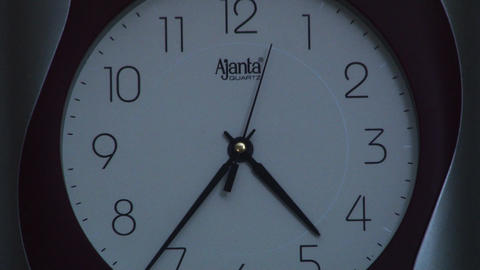 Zoom out Household Wall Clock Footage