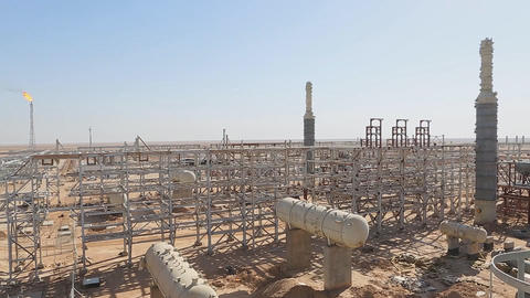 The construction of a new oil refinery in the Syrian desert. (Latakia province) ビデオ