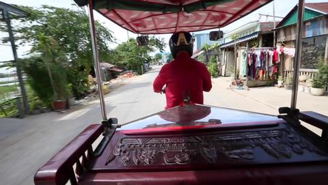 Tuk-tuk Phnom Penh slo mo 30 sec Footage