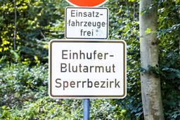 Duesseldorf / Germany - October 05 2017: Sign warning of of the infectious Fotografía