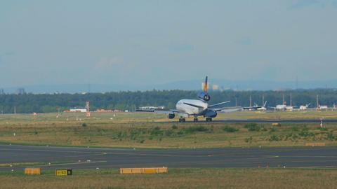 Lufthansa Cargo MD-11 landing Footage