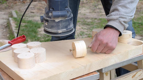 Sanding using a random orbital dual-action sander Footage